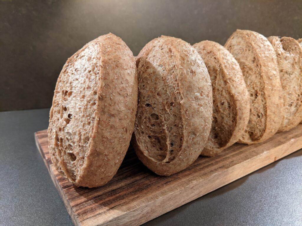 Hoe maak je afbakbrood of hoe bak je brood voor?